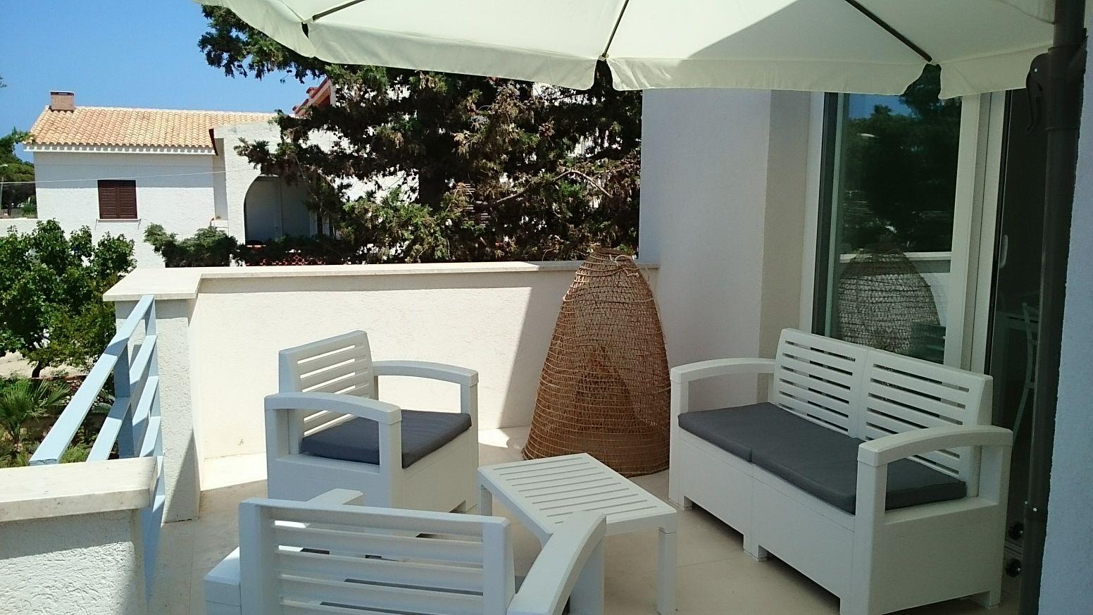 Sinatra_veranda